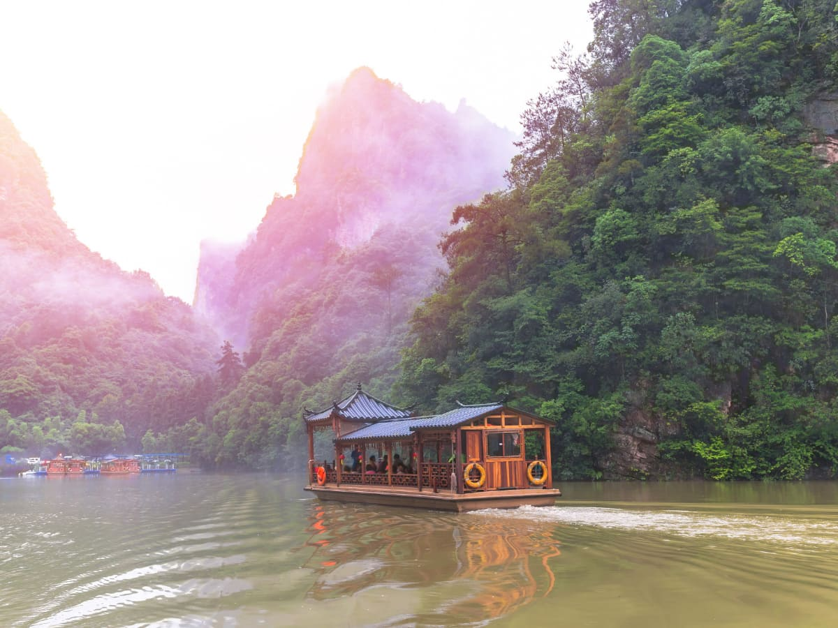 A boat cruise on Baofeng Lake is one of the best things to do in Zhangjiajie.