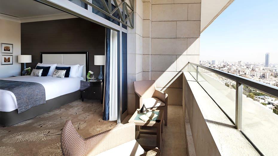 Four Seasons Amman hotel room
