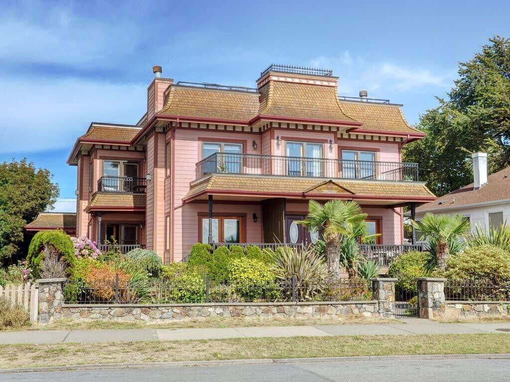 Vrbo house on Dallas Road, Victoria, BC