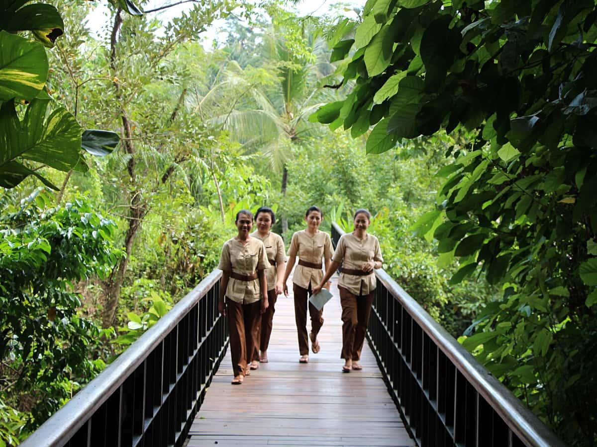 Staff at the Kayumanis Bali resorts pamper you silly.