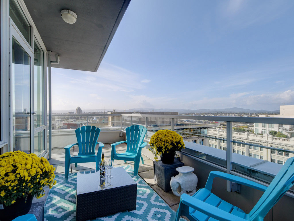 Among the best Victoria, Canada, Airbnbs is this luxury downtown penthouse.