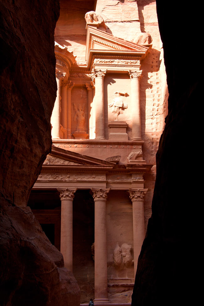At the end of the Siq, the Treasury suddenly bursts into view.