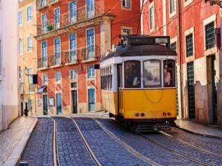 Porto vs Lisbon: Which city should you visit?
