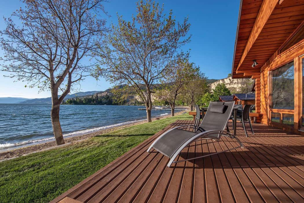 The cottages at Sandy Beach Lodge in Naramata, BC, all have lake views.
