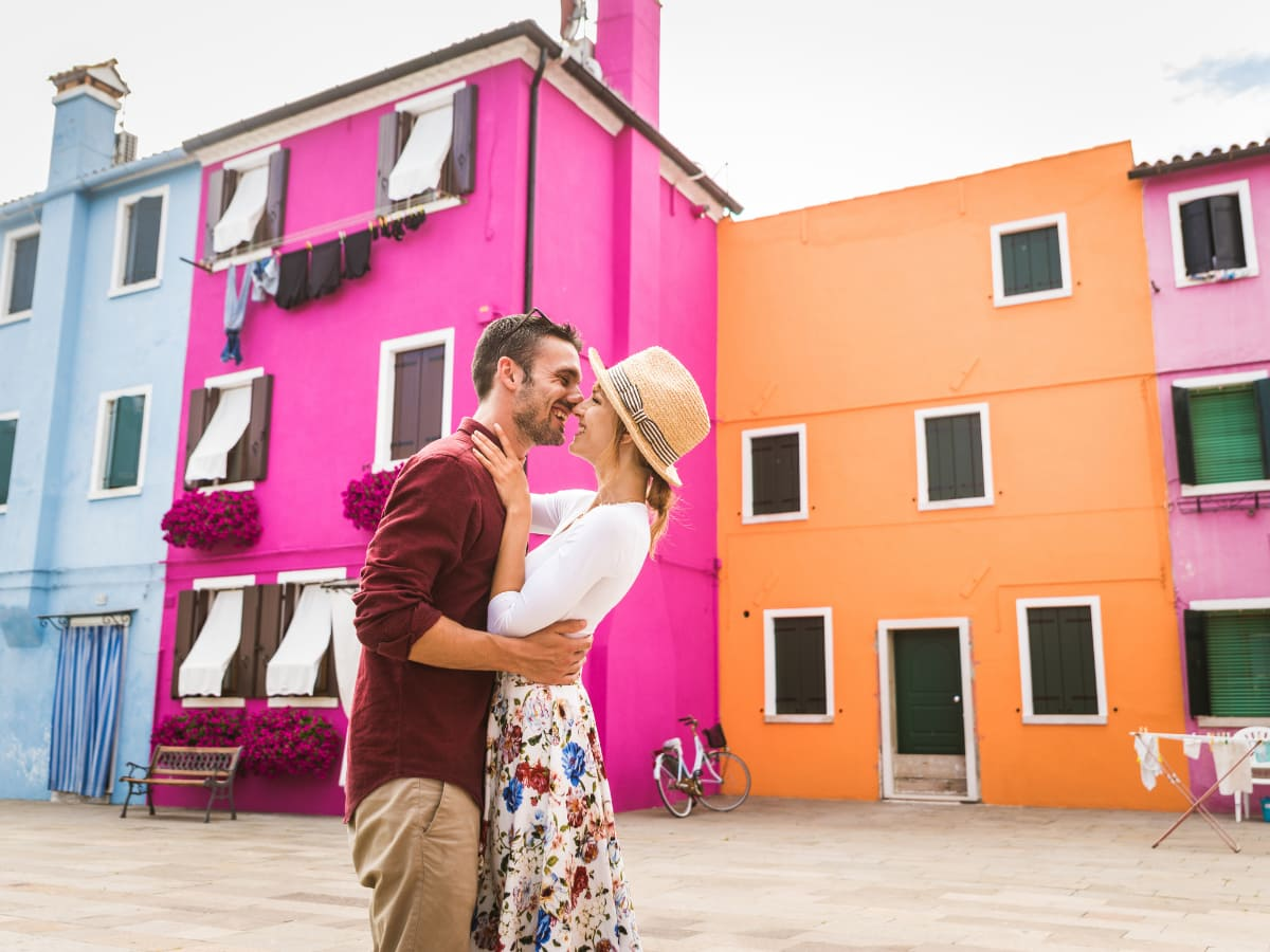 When planning what to do in Venice, Italy, make sure the colorful island of Burano is on your list!