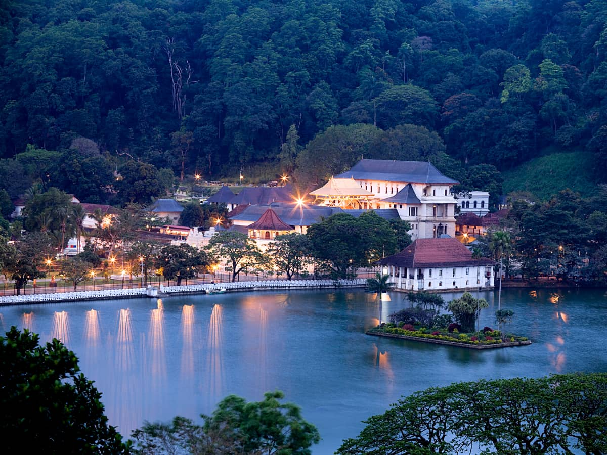 Bogambara Lake is the heart of the hill city of Kandy and it's one of the best places in Kandy to see.