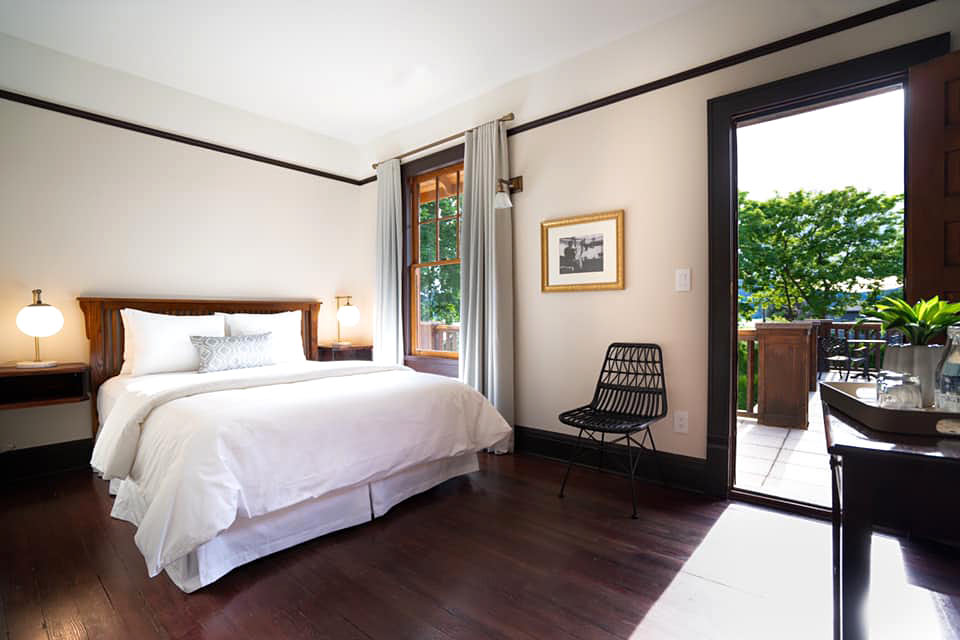 Rooms at the Naramata Inn feature hardwood floors, clawfoot (or soaker) tubs and luxury linens.