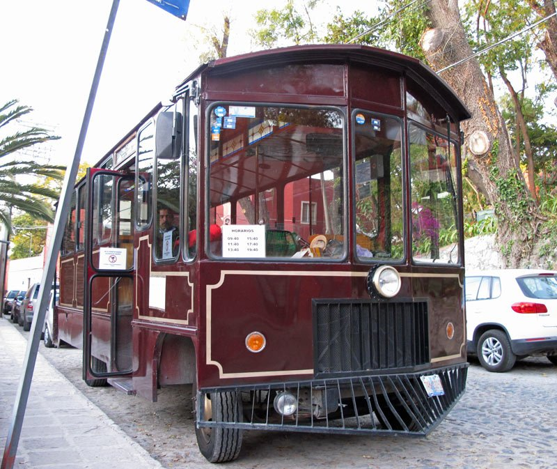 A trolley tour is a good way to get a quick look at the main things to see in San Miguel de Allende