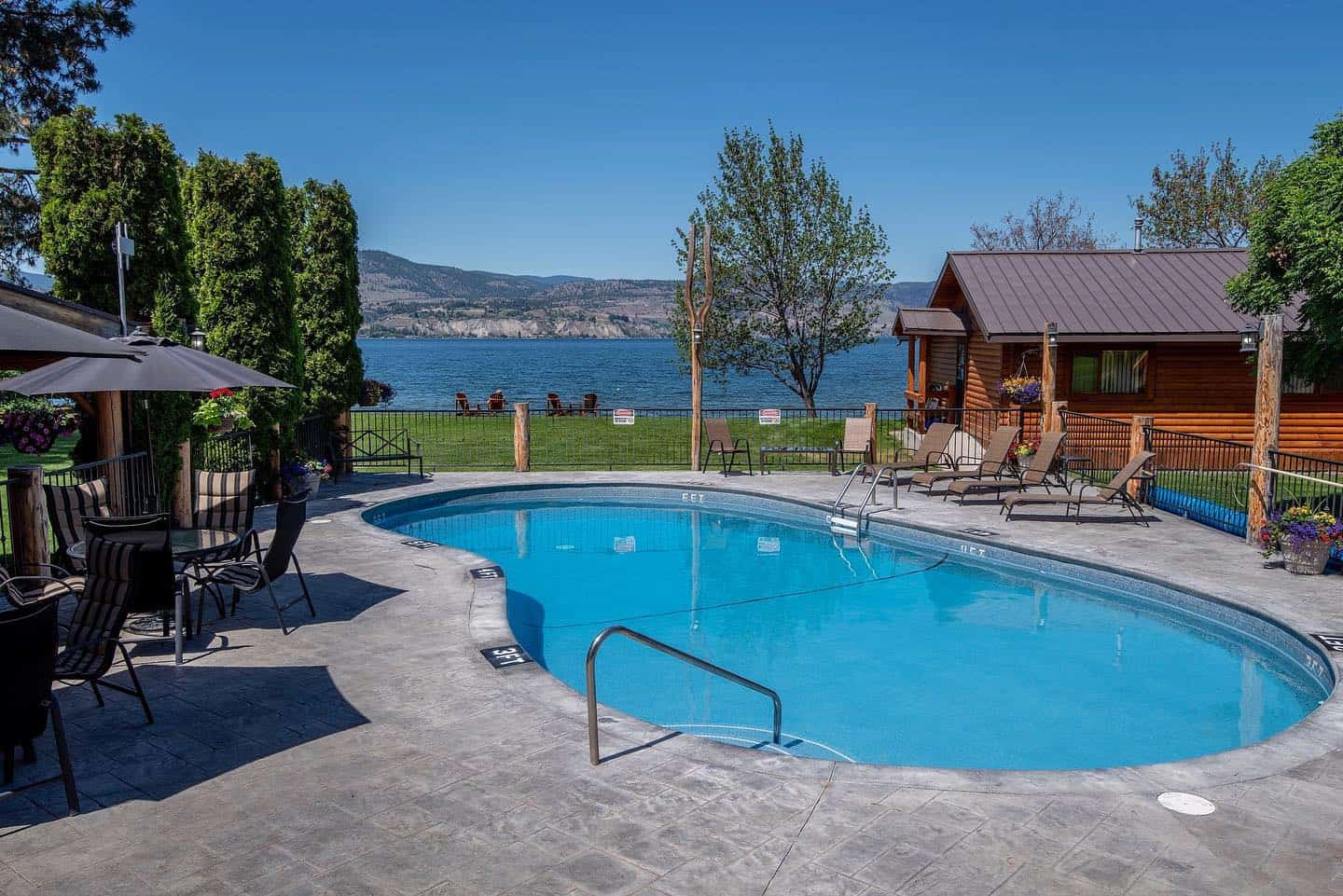Sandy Beach Lodge is ideal for a family vacation in Naramata, BC.