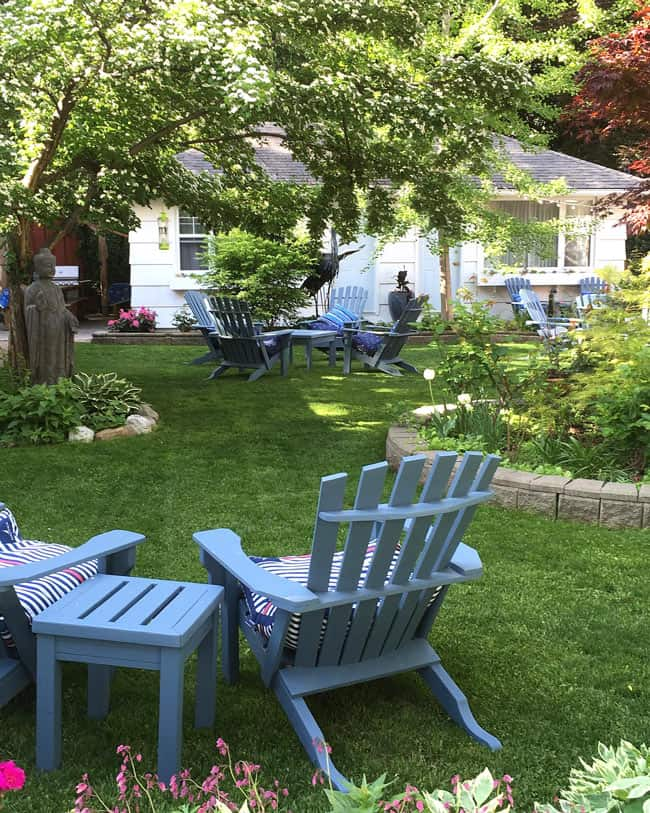 In the heart of tiny Naramata village, the Village Motel is one of the best places to stay in Naramata.