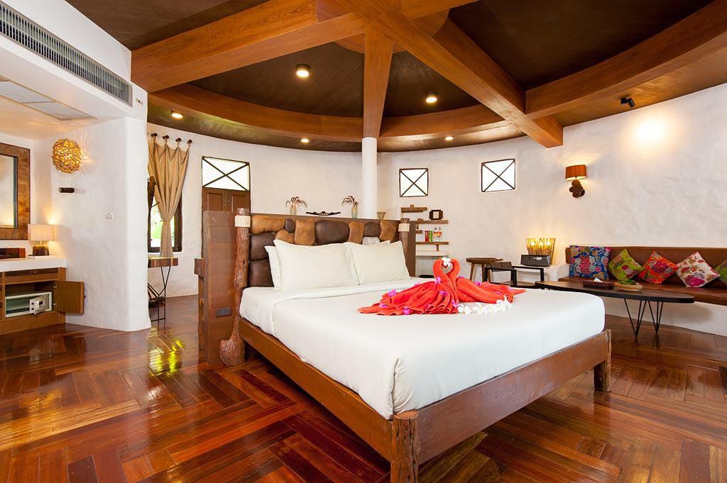 Inside a bungalow at Koh Tao Cabana