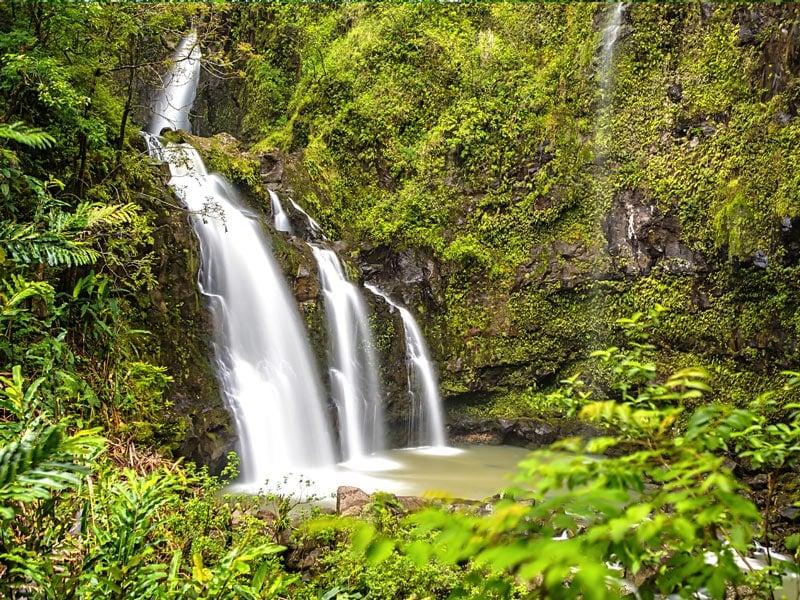 The Upper Waikani Falls are so Insta-perfect.