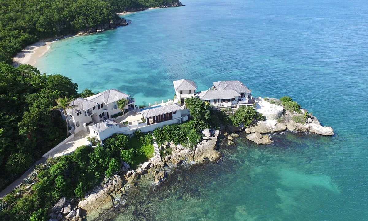 With uber-luxe villas with private swimming pools, Blue Waters is the preferred luxury resort on Antigua for royalty and guests with deep pockets.