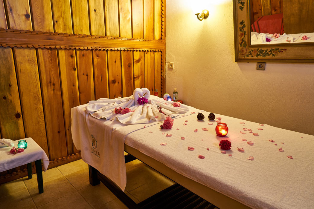 A couples' massage is one of the top Maui honeymoon activities