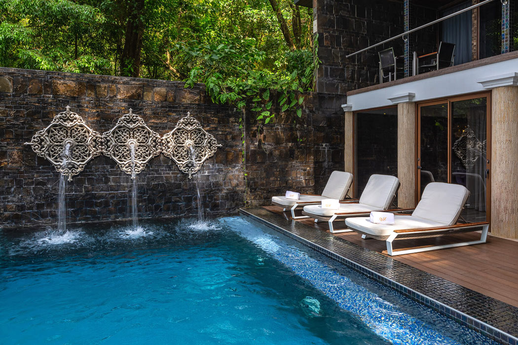 A villa with private pool at Makanda by the Sea