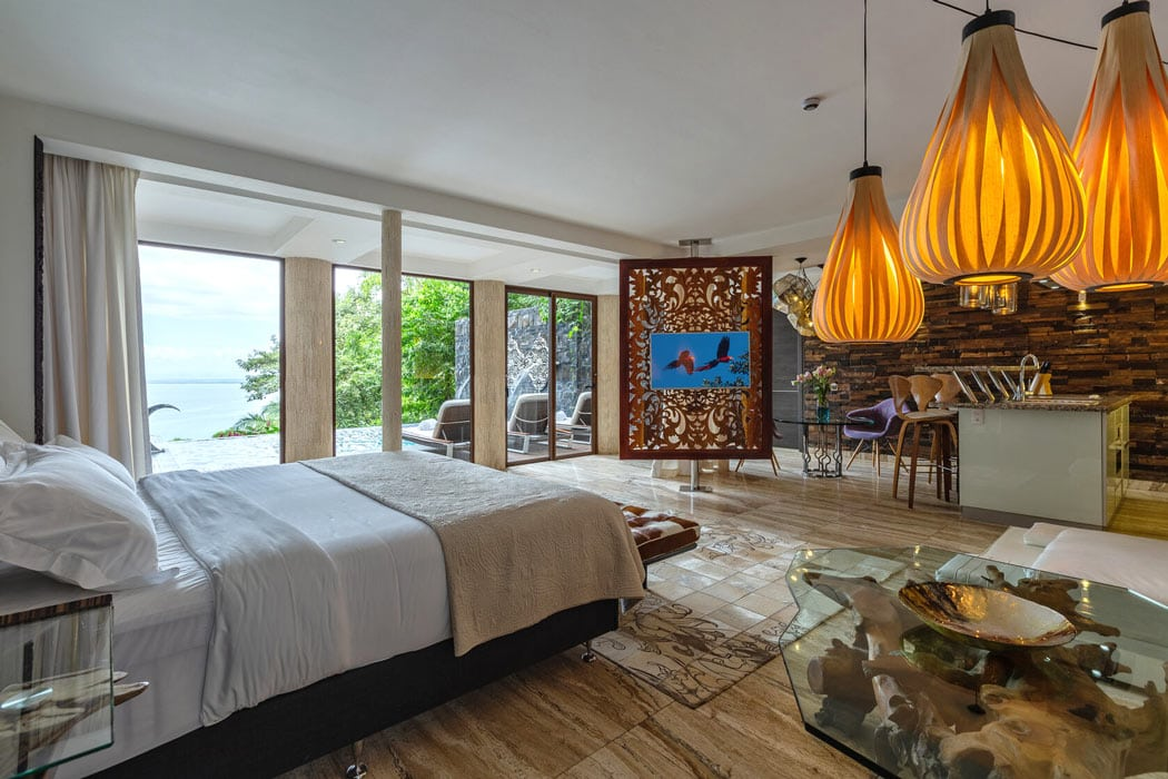 Sloths, monkeys and villas with private pools - it's romance meets nature at Makanda by the Sea!