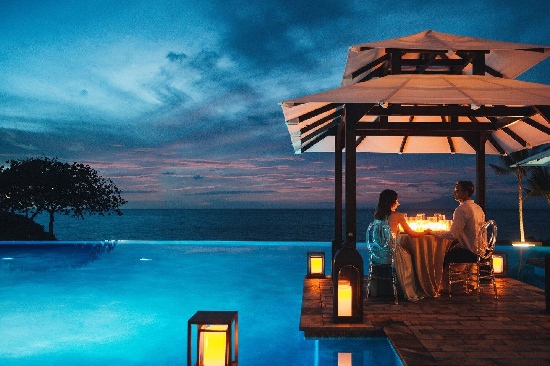 Private cabana dining at Wailea Beach Resort, Maui