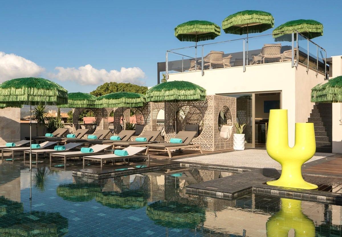A cool pool scene right in Palma da Mallorca? Say hello to El Llorenc Parc de la Mar!