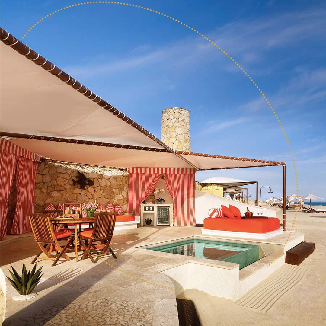 Luxury hotels like Las Ventanas al Paraiso will be in high demand! Be sure to book accommodation early if visiting in late December.