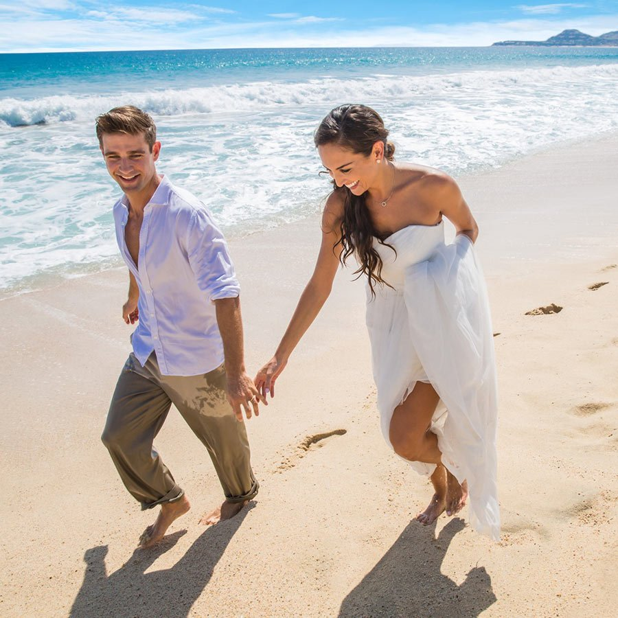 Any time is a good time to walk Playa Hotelera, even just after getting married!